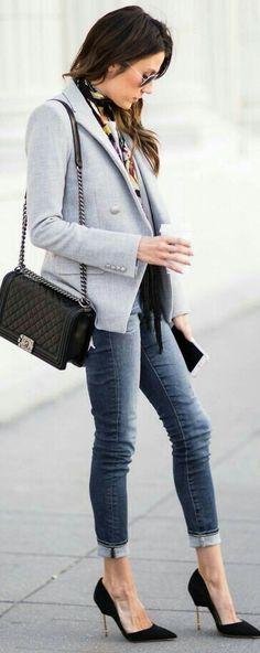 classic blazer/denim skinny style