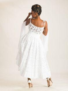 Robe FEMME créole, antillais Bardo en vente sur la boutique Dodyshop spécialisée dans la vente de vêtements traditionnels créoles. Une collection unique inspirée des traditions antillaises !