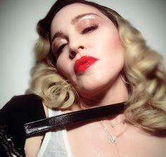 Madonna pode ser presa por associação ao terrorismo em marcha #timbeta #sdv #betaajudabeta