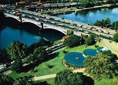 Arial photo of Princes Bridge. With fountains in foreground Photos Of Prince, Melbourne Victoria, St Kilda, Melbourne Australia, Historical Photos, Continents, Fountain, Island, City
