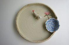 연잎수반입니다.~~^^ 저는 연잎에 소스 두고 그릇으로 쓰이면 더 좋겠는데요~~^^ 여름에는 수반에 물 담아 ...
