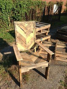 Pallet Wood Chair - www.facebook.com/helprenew - Gentlemint