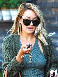 Lauren Conrad Cut Her Hair (We'll Wait While You Sit Down) http://stylenews.peoplestylewatch.com/2014/10/22/lauren-conrad-haircut-layers-instagram/
