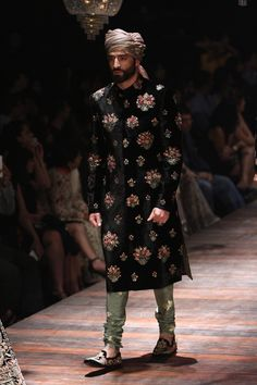 men+fashion SABYASACHI Winter/Festive 2016 collection LAKMÉ FASHION WEEK