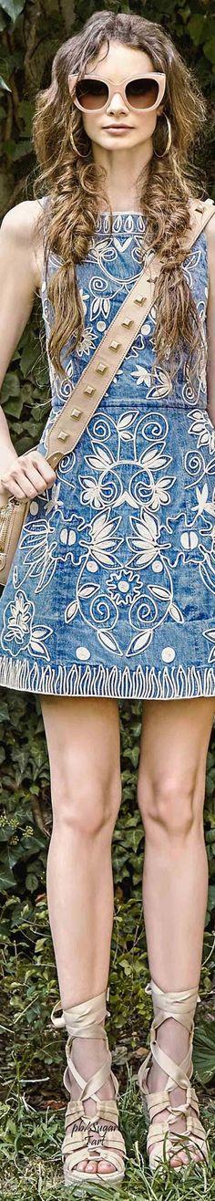 Alice + Olivia Spring 2017 RTW Perfect for Coachella! Only Fashion, Fast Fashion, Fashion 2017, Denim Fashion, Couture Fashion, Fashion Looks, Womens Fashion, Fashion Trends, Fashion Spring