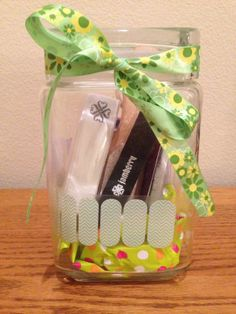 Perfect teacher's gift? Perfect Christmas gift? A Jamberry jamicure in a jar!