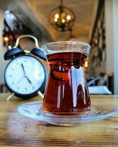 The Red Tea Detox is a new rapid weight loss system that can help you lose several pounds of pure body fat in just 14 days! It involves drinking a special African blend of red tea to help you lose weight fast! Detox Recipes, Tea Recipes, Red Tea Benefits, Iran Food, Turkish Tea, Coffee Candle, Tea And Books, Fancy Drinks, My Tea
