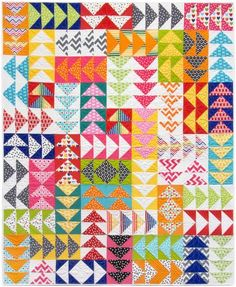 I love the look of Flying Geese Quilts and here are 15 inspiration projects to get you making a flying geese quilt of your own!