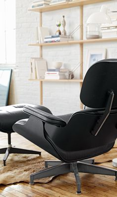 Eames® lounge chair and ottoman de design within reach mexico moderno cuero gris Charles Eames, Eames Furniture, Eames Chairs, Wooden Chairs, Bar Chairs, Room Chairs, Dining Chairs, Desk Chairs, Best Office Chair