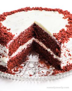 The most incredible Vegan Red Velvet Cake is moist, soft, buttery and is topped with a simple, homemade cream cheese frosting. Homemade Red Velvet Cake, Vegan Red Velvet Cake, Easy Red Velvet Cake, Best Vegan Recipes, Vegan Dessert Recipes, Cake Recipes, Desserts, Vegan Carrot Cakes, Vegan Cake