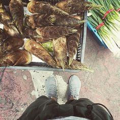 . sunny afternoon :-})))  . #s_s_magiccarpet #s_s_ilovemarkets #market #市場 #朝市 #筍