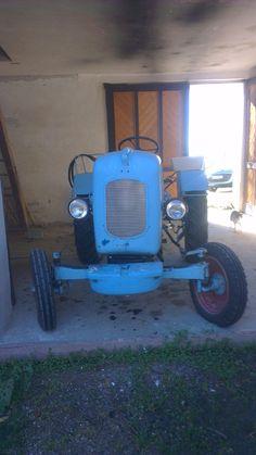 Unser Traktor Warchalowski WT20 Baujahr 1961 #warchalowski #südburgenland #diepharm Antique Cars, Antiques, Tractor, Life, Vintage Cars, Antiquities, Antique, Old Stuff