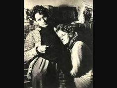 Dylan Thomas and his wife Caitlin. 9 listopada – walijski poeta i pisarz. Dylan Thomas, Writers And Poets, Writers Write, People Of Interest, Book Writer, Star Pictures, Portraits, Famous People, Nerd