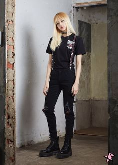 Image uploaded by Lisa B. Find images and videos about kpop, blackpink and lisa on We Heart It - the app to get lost in what you love. Blackpink Lisa, Jennie Blackpink, Blackpink Fashion, Korean Fashion, Kpop Girl Groups, Kpop Girls, Looks Rock In Rio, Mode Outfits, Sport Outfits