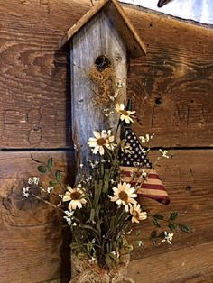 Your place to buy and sell all things handmade - Primitive Door/Wall/Porch Decor Patriotic Americana Flag Hanging Reclaimed Wood Birdhouse Charming - Primitive Wood Crafts, Country Primitive, Country Wood Crafts, Americana Crafts, Primitive Signs, Primitive Snowmen, Country Decor, Farmhouse Decor, Country Charm