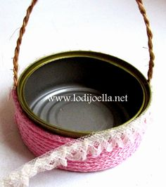 Jute Crafts, Upcycled Crafts, Diy Home Crafts, Painted Tin Cans, Henna Candles, Recycled Tin Cans, Nylon Flowers, Recycle Cans, Tin Can Crafts