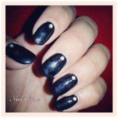 Luxio chic nails