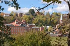 25 of the BEST Small Town Honeymoon Destinations in the US! Galena, Illinois