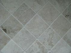 natuurstenen tegels keuken vloer licht  marmer  Tegels Limburg - Vloer-/wandtegel Cappuccino, anticato/getrommeld, diverse afmetingen - TegelDeal.nl