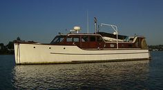 1940 Ed Monk designed 40' foot Bridge Deck Cruiser - Classic Wooden Boat - EXCLUSIVE DEAL! BUY NOW ONLY $15000.0