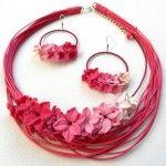 #magenta #summer #bib #necklace #arrings #flowers #romantuc #insoujewelry https://www.etsy.com/shop/insoujewelry