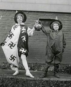 10 vintage photos showing swastikas in everyday life before World War II