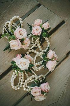 Аксессуар для невесты: браслет на ногу