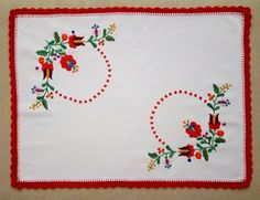 Hand-embroidered small tablecloth (Matyo) - TABLE-MK-SM-TR-317