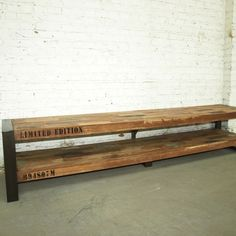 meuble tv artisanal - Recherche Google Industrial Furniture, Industrial Style, Outdoor Furniture, Outdoor Decor, Design Projects, Diy Projects, Tv Rack, Tv Cabinets, Welding Projects