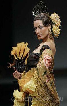 flamenco fashion - Google Search Spanish Dancer, Flamenco Dancers, Spanish Style, Spanish Party, Hacienda Style, Best Portraits, Europe Fashion, Dance Art, Folk Costume