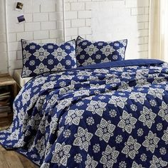 This blue in our Adelaide Twilight Blue Queen Quilt Bundle (Quilt and 2 Standard Shams) - Primitive Star Quilt Shop is stunning. Makeover your room in this exquisite bundle and it will make your room look like a million bucks. https://www.primitivestarquiltshop.com/collections/adelaide-twilight-blue-bedding #primitivecountrybedroomsbeddingandaccessories