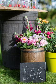 #DIY Chalkboard sign Chalkboard Signs, Outdoor Entertaining, Some Fun, Outdoor Living, Planter Pots, Garden, Summer, Ideas, Outdoor Life