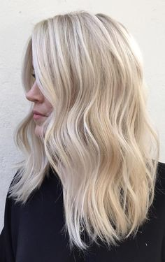 38 Bright Blonde Hair Color Ideas for This Spring 2019 - Healthy Happy Hair - Hair Styles Blonde Layered Hair, Bright Blonde Hair, Blonde Layers, Honey Blonde Hair, Brown Ombre Hair, Ombre Hair Color, Light Brown Hair, Blonde Color, Hair Colour