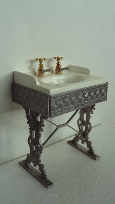 Amber's House: Dressing table and Bathroom sink