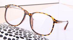 c19688443c9bf R  18.83 5% de desconto MOYSSEN Quadro Transparente Óculos dos homens da  Forma Do Vintage Das Mulheres Decorativo Lerdo Superdimensionada Grande  Miopia ...