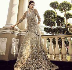 Pakistani Couture, Pakistani Bridal Wear, Pakistani Wedding Dresses, Indian Couture, Indian Bridal, Indian Dresses, Wedding Outfits, Wedding Wear, White Saree Wedding