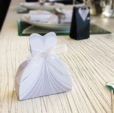 Recuerdos de boda Gift Wrapping, Gifts, Wedding Souvenir, Gift, Products, Boxes, Bebe, Paper Wrapping, Presents