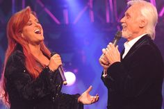 Kenny Rogers & Wynonna Judd Sing 'Mary, Did You Know?' One of my favorite songs - not my fav rendition but still good! Christmas Songs List, Christmas Duets, Christmas Music, Christmas Shoes, Christmas Ornaments, Gospel Music, Music Songs, Music Videos, Carrie Underwood Duets
