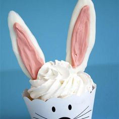 Bunny cupcake.