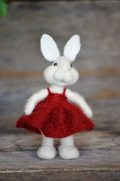 Bear Creek Bunny #293 needle felted by Teresa Perleberg