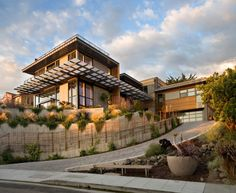 Chic Eco-friendly Homes Ideas : Amusing Eco Friendly Homes Ideas With Green Plant Decoration