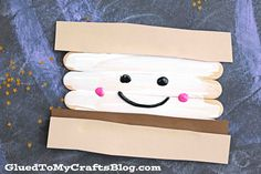 It's a simple kid craft idea that is perfect for the upcoming camping and summer season! Everyone LOVES s'mores so without a doubt – they going to love this easy DIY pretend piece idea as well! Using my FAVORITE craft medium of late – I present to YOU our Popsicle Stick Smores kid craft idea! …