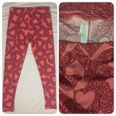0481017 LuLaRoe Leggings Tall and Curvey Pink Hearts Buttery Soft pants #LuLaRoe #FullLength #Everyday