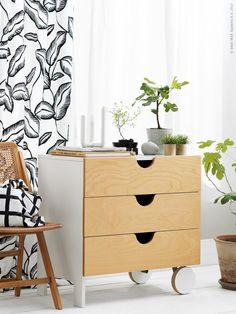 I april kommer ett gäng fina inredningsdetaljer som fixar stil och ordning hemma. Dekorativa och praktiska krokar i bambu, mässingsfärgade knoppar som ger inredningen en ny look och inbjudande mjuka förvaringsboxar. Här är några av våra favoriter.