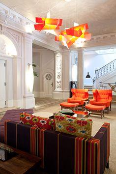 O Grande Hall do Palacete Lineu de Paula Machado deu trabalho a Caco Borges. Seu pintor ficou dias esperando o parecer do patrimônio sobre a cor escolhida para as colunas do suntuoso ambiente