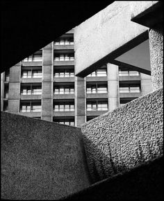 This is a view from the Barbican Housing Estate, in London. Brutalism, was a style of architecture usin' pure concrete with a rough stone texture, London Architecture, Urban Architecture, Architecture Geometric, Drawing Architecture, Baroque Architecture, Futuristic Architecture, Bauhaus, Barbican, Brutalist