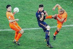 Remember this? World Cup Final 2010 South Africa. Nigel De Jong didn't get a card for this! Howard Webb admitted after that he missed it and went as far to say 'it wasn't just a red card but an arrestable offence' luckily for his sake Spain won      #footyscout #football #soccer #footy #goals #training #instalike #player #ultras  #footballer #blogger #exercise #love #game #futbol #club #sports #cup #soccerteam #instagood #blog #winning #karate #holland #spain #southafrica #worldcup #redcard…