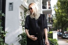 Jan 'n June, Fair Fashion, vegan, VIU Eyewear, Funktionschnitt, Goodguys, Denise Roobol, All Black, ootd, lotd, Look, Outfit, Style, Late Summer, Black, Minimal, Preggostyle, Maternity, Inspiration, Fashion, Blog, stryleTZ