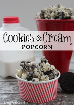 Cookies and Cream Popcorn. Next time I make this, I'm using the Mint Oreos. - yes, use mint oreos and chocolate chips or maybe lemon or pumpkin oreos with white chocolate Yummy Snacks, Delicious Desserts, Snack Recipes, Dessert Recipes, Cooking Recipes, Yummy Food, Popcorn Recipes, Oreo Dessert, Mini Desserts