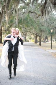 Savannah Wedding at 10 Downing from LeeAnn Ritch Photography | Style Me Pretty